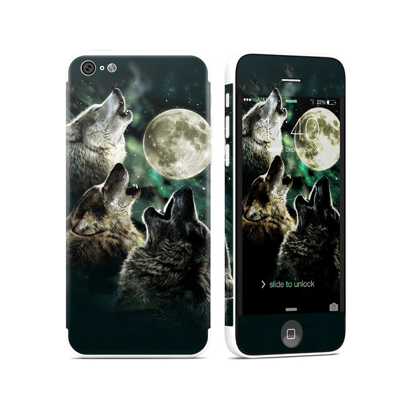 iPhone 5c Skin design of Wolf, Light, Astronomical object, Moon, Wildlife, Organism, Moonlight, Sky, Atmosphere, Celestial event with black, gray, green colors