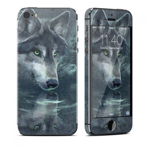 Wolf Reflection iPhone SE, 5s Skin