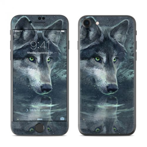 Wolf Reflection iPhone 7 Skin