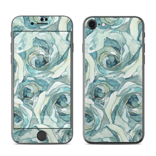 Bloom Beautiful Rose iPhone 8 Skin