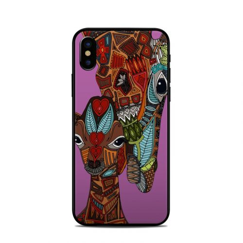 Giraffe Love iPhone X Skin