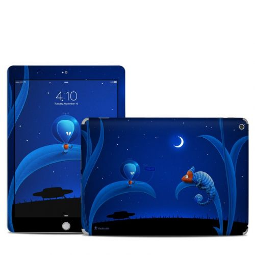 Alien and Chameleon iPad 6th Gen Skin