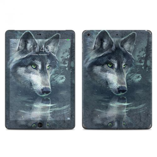 Wolf Reflection iPad Air Skin