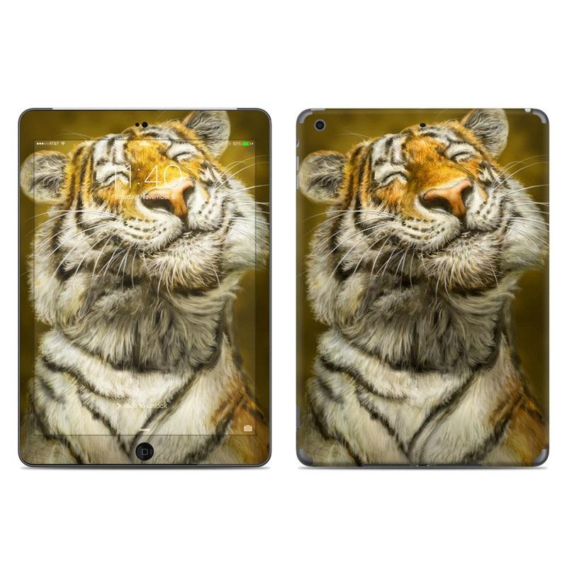 Smiling Tiger iPad Air Skin