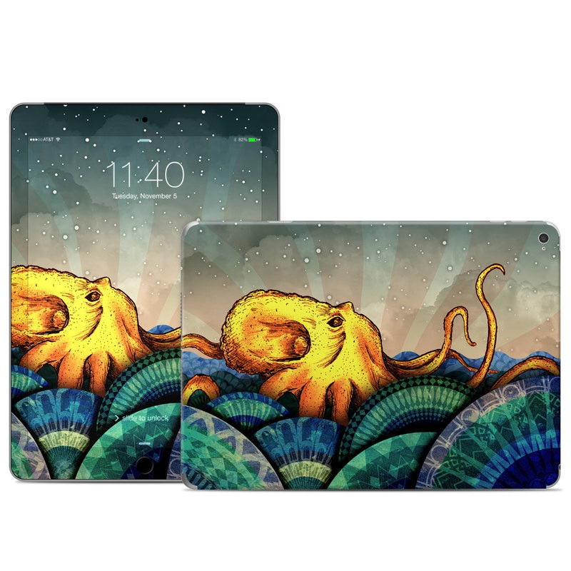 iPad Air 2 Skin design of Illustration, Fractal art, Art, Cg artwork, Sky, Organism, Psychedelic art, Graphic design, Graphics, Octopus with black, gray, blue, green, red colors