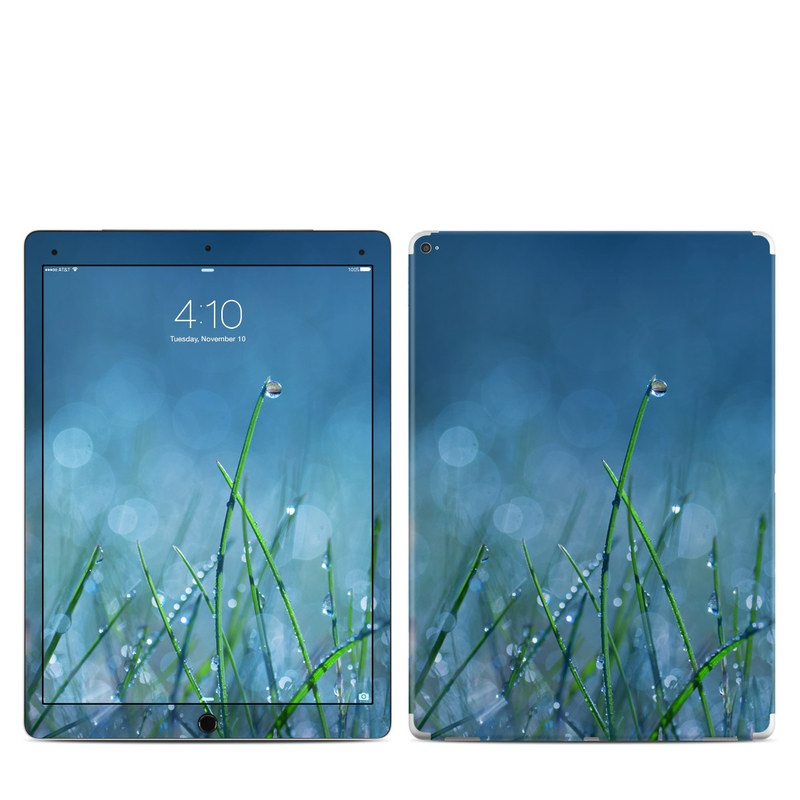 iPad Pro 12.9-inch 1st Gen Skin design of Moisture, Dew, Water, Green, Grass, Plant, Drop, Grass family, Macro photography, Close-up with blue, black, green, gray colors