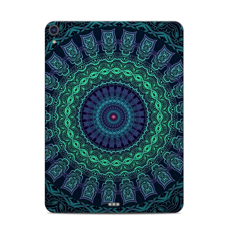 iPad Pro 3rd Gen 11-inch Skin design of Colorfulness, Blue, Green, Pattern, Teal, Turquoise, Art, Electric Blue, Aqua, Circle, Majorelle Blue, Visual Arts, Fractal Art, Design, Symmetry, Psychedelic Art, Graphics, Kaleidoscope, Motif with black, green, red colors