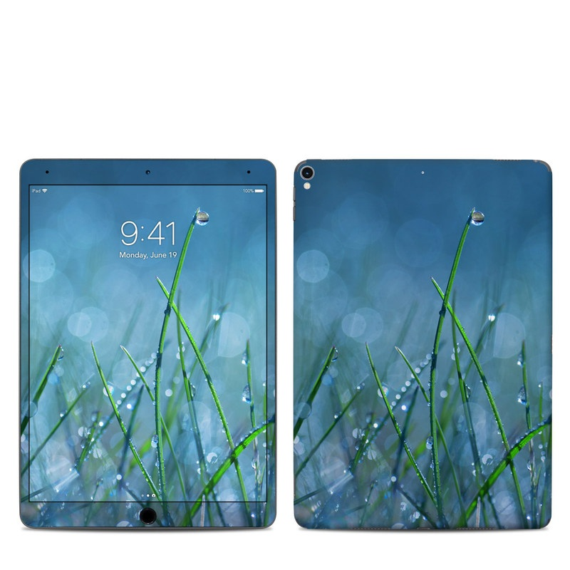 iPad Pro 10.5-inch Skin design of Moisture, Dew, Water, Green, Grass, Plant, Drop, Grass family, Macro photography, Close-up with blue, black, green, gray colors