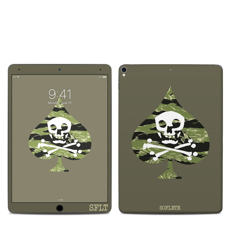 iPad Pro 2nd Gen 10.5-inch Skin design of Military camouflage, Green, Camouflage, Illustration, Leaf, Skull, Pattern, Design, Headgear, Plant with black, white, green colors