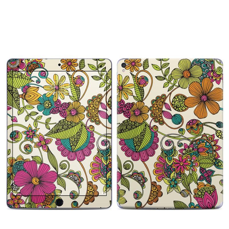 Maia Flowers iPad Pro 9.7-inch Skin