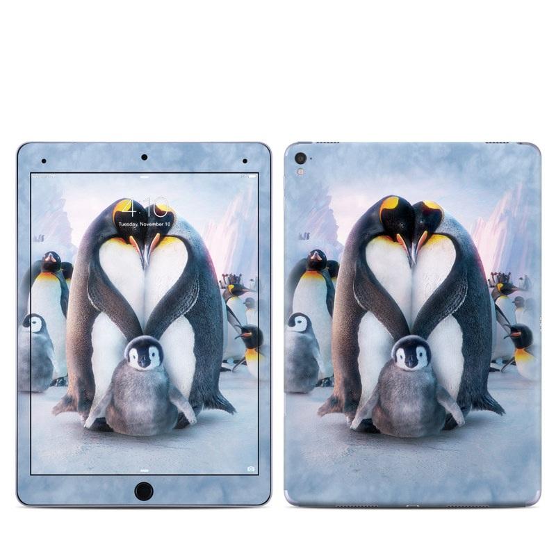 Penguin Heart iPad Pro 9.7-inch Skin