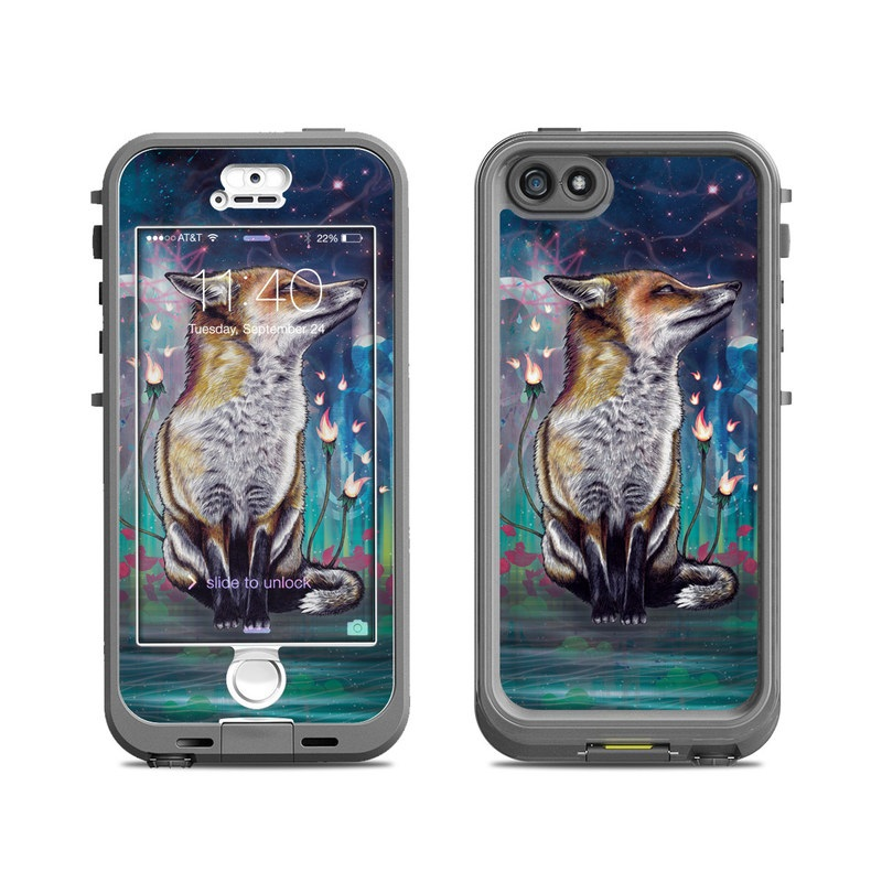 There is a Light LifeProof iPhone SE, 5s nuud Skin