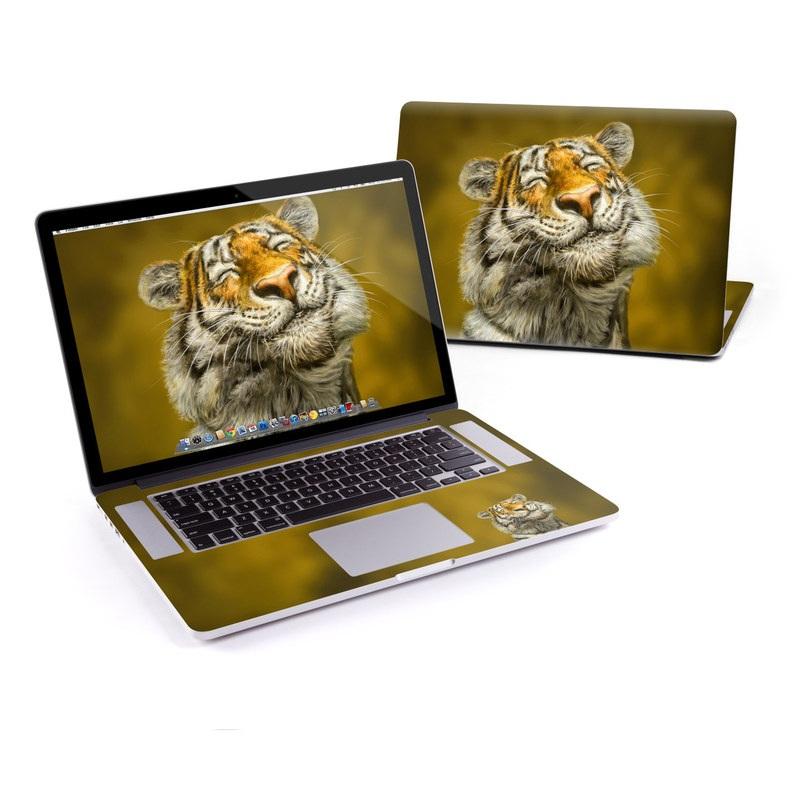 Smiling Tiger MacBook Pro Pre 2016 Retina 15-inch Skin