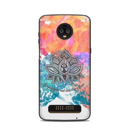 Happy Lotus Motorola Moto Z3 Skin