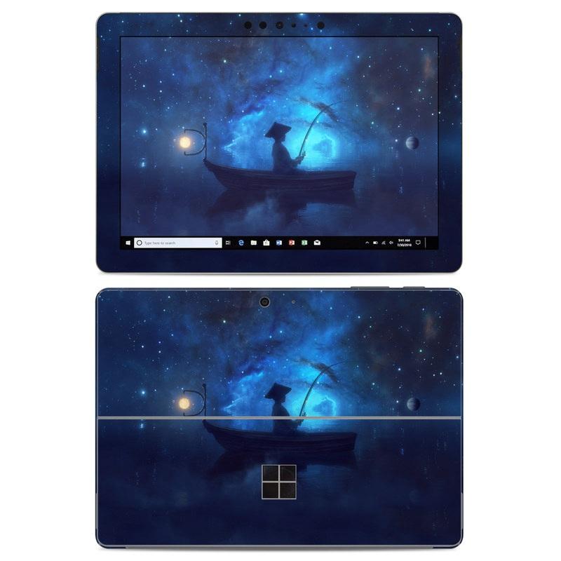 Microsoft Surface Go Skin design of Sky, Night, Atmosphere, Light, Atmospheric phenomenon, Darkness, Screenshot, Space, Midnight, Moonlight with white, blue, black, green, orange colors