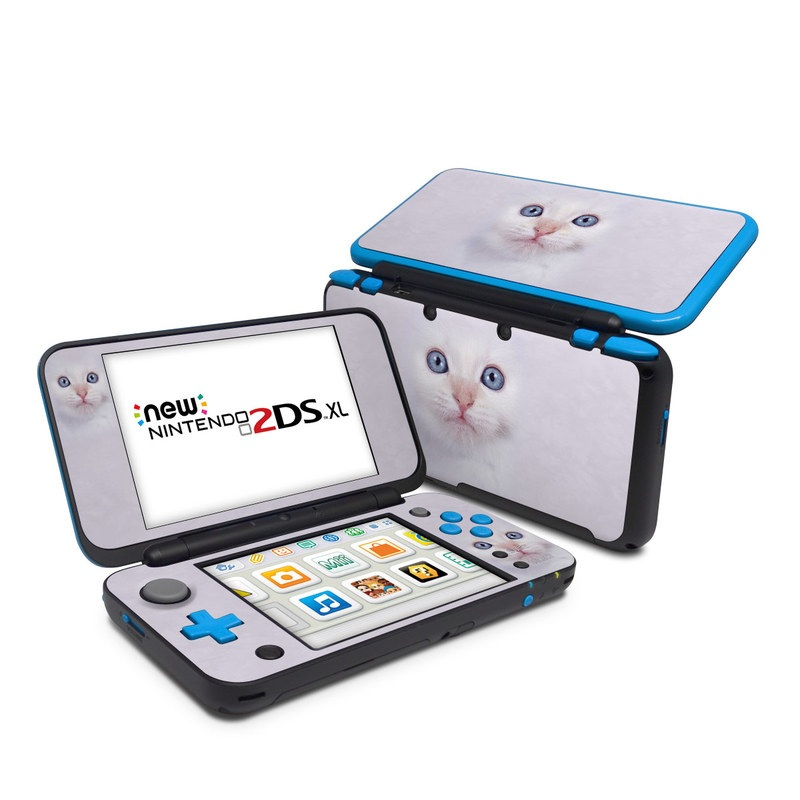 Nintendo 2DS XL Skin design of Cat, Whiskers, Face, Nose, Felidae, Small to medium-sized cats, Eye, Skin, Snout, Head with gray, purple, black colors