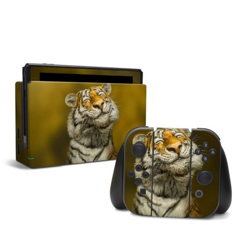 Smiling Tiger Nintendo Switch Skin