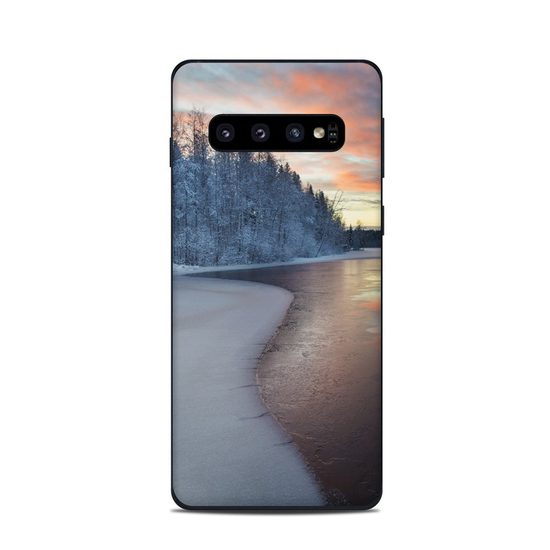 Samsung Galaxy S10 Skin design of Sky, Nature, Winter, Natural landscape, Freezing, Snow, Atmospheric phenomenon, Water, Cloud, Evening with white, blue, orange, yellow, red colors