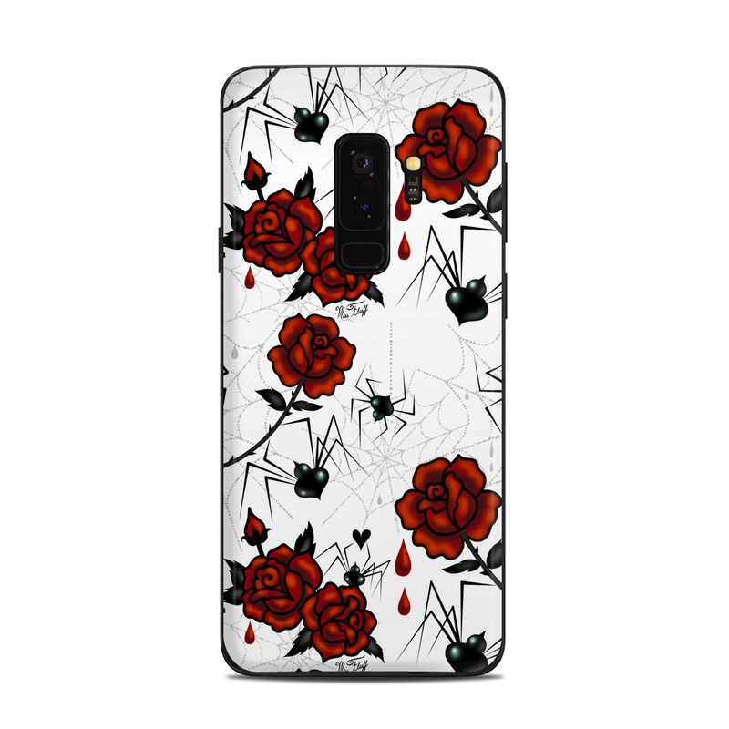 Samsung Galaxy S9 Plus Skin design of Red, Pattern, Flower, Plant, Design, Floral design, Petal, Coquelicot, Wildflower, Rose with black, white, red colors