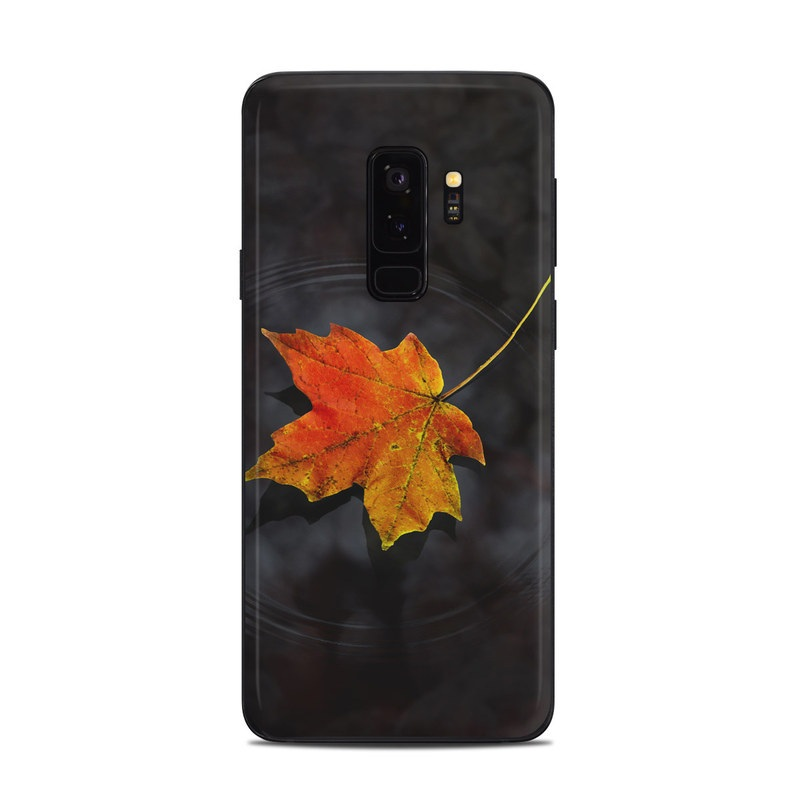 Samsung Galaxy S9 Plus Skin design of Leaf, Maple leaf, Tree, Black maple, Sky, Yellow, Deciduous, Orange, Autumn, Red with black, red, green colors