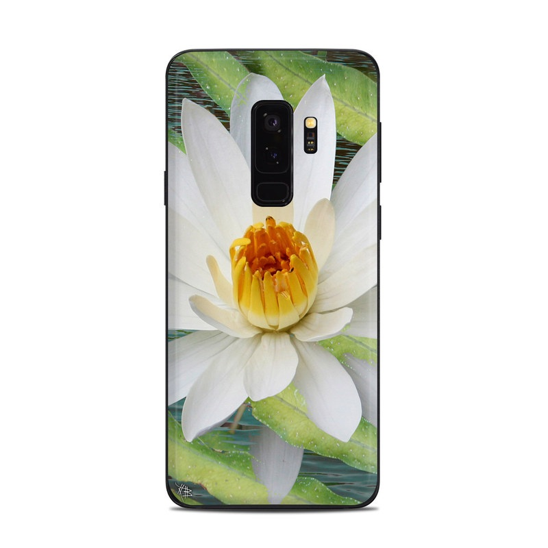 Samsung Galaxy S9 Plus Skin design of fragrant white water lily, Petal, Flower, White, Aquatic plant, Sacred lotus, Lotus, Lotus family, water lily, Plant with gray, green, black, blue, purple colors
