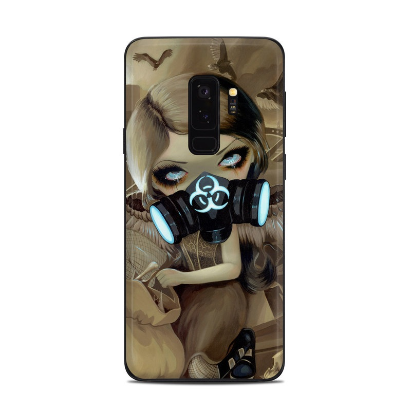 Samsung Galaxy S9 Plus Skin design of Personal protective equipment, Mask, Illustration, Gas mask, Costume, Headgear, Fictional character, Fiction, Cg artwork, Art with black, green, gray, red, yellow, pink colors