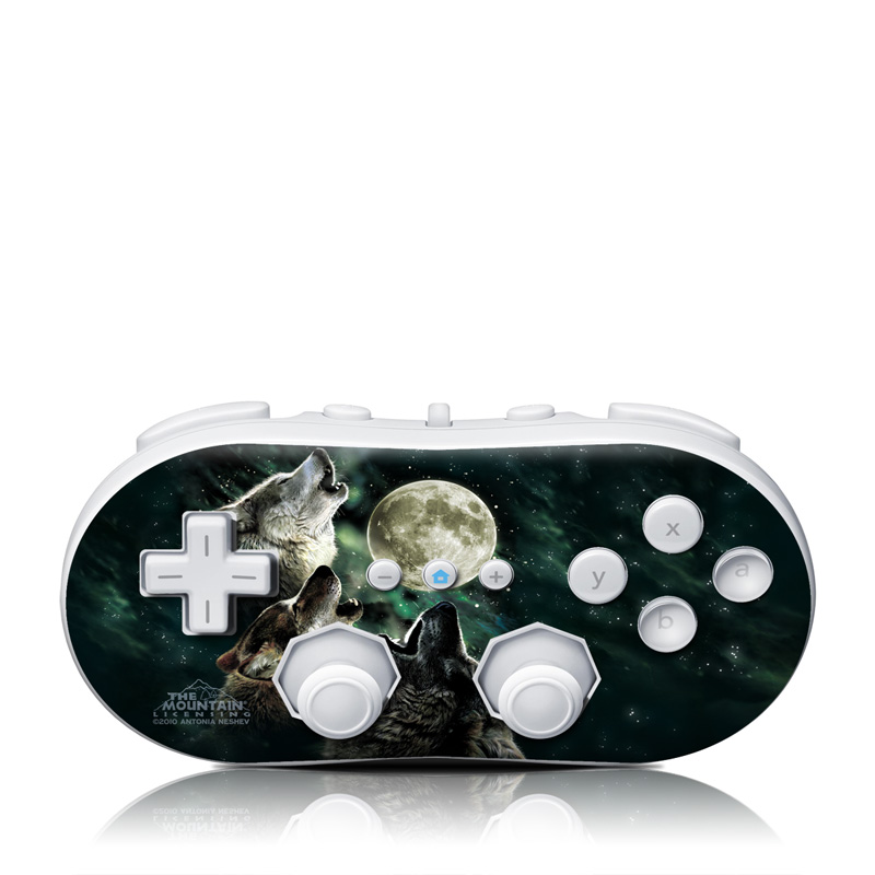 Wii Classic Controller Skin design of Wolf, Light, Astronomical object, Moon, Wildlife, Organism, Moonlight, Sky, Atmosphere, Celestial event with black, gray, green colors